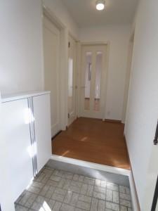 オークウッド102号室 玄関