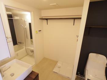 浴室、洗面台、トイレ